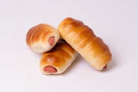 Sausages in dough