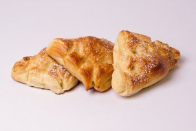 Puff pastry with cottage cheese